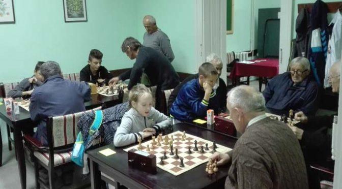 Međugeneracijski šahovski turnir
