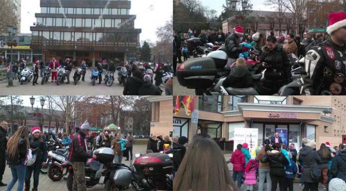 Trg u Vrbasu danas u znaku Deda Mraza (FOTO)