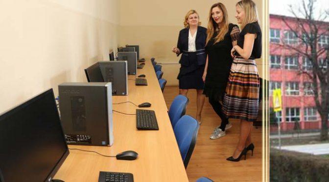 """Računari za novo IT odeljenje – Donacija Kompanije """"Carnex"""" SSŠ """"4. juli"""""""