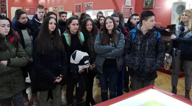 """Srednjoškolci u Muzeju – Akcija """"Pozovi komšiju u Muzej"""""""