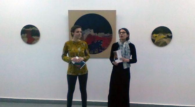 Tematika zemljotresa – Osobeni radovi Jovane Milosavljević u Galeriji