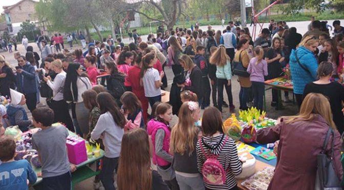 """Održan Prolećni vašar u školi """"Bratstvo jedinstvo"""" u Vrbasu"""