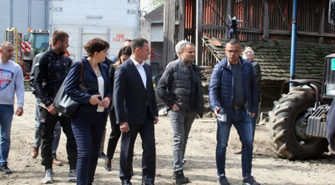 Ministar Nedimović obišao poljoprivredno gazdinstvo u Kucuri