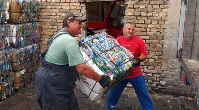 Akcija odnošenja PET otpada sa vrbaskih ulica 31. oktobra