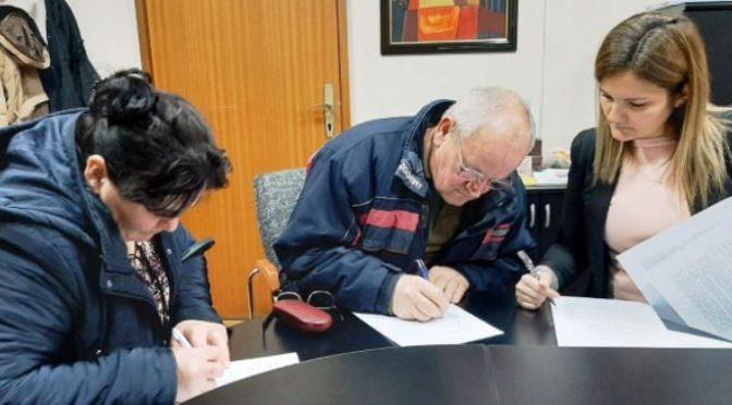 Potpisani ugovori o donaciji i kupoprodaji šest seoskih kuća za izbegle