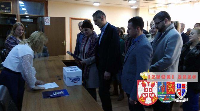 Počela izborna kampanja – SNS i koalicioni partneri predali izbornu listu