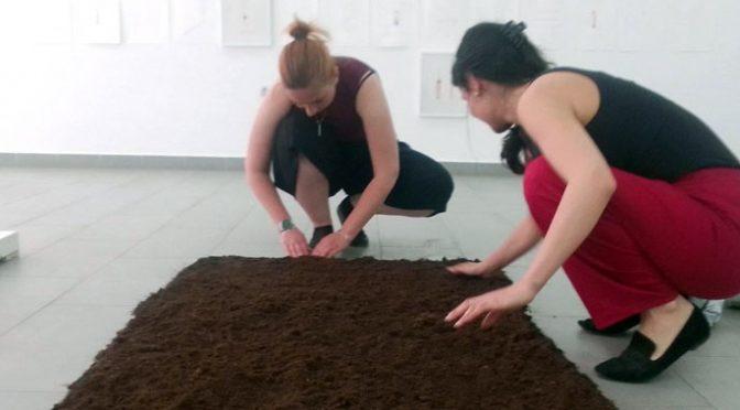 """U Galeriji otvorena izložba """"Compost ME"""", slikarke Adrien Ujhazi"""