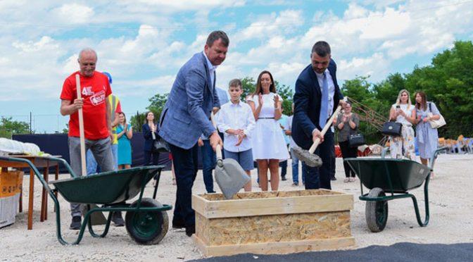 Položen kamen temeljac za izgradnju Doma kulture u Ravnom Selu